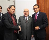 Israel's Deputy Foreign Minister Zeev Elkin (left) with Brazilian Senator Flexa Ribeiro and Henrique Eduardo Alves, President of the Chamber of Deputies. Photo: Israeli Embassy in Brazil.