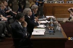 Secretary of State John Kerry (R), Energy Secretary Ernest Moniz and Treasury Secretary Jack Lew defend their Iran deal at the Senate Foreign Relations Committee. Photo: screenshot.