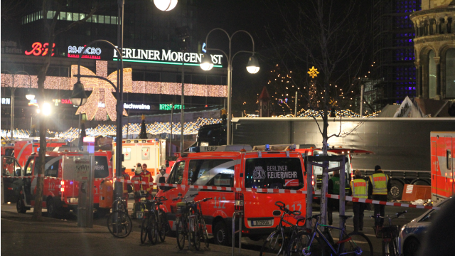 Emergency vehicles surround the truck that was driven into a crowd at an outdoor Christmas market in Berlin, killing 12. Photo: Andreas Trojak via Wikimedia Commons.