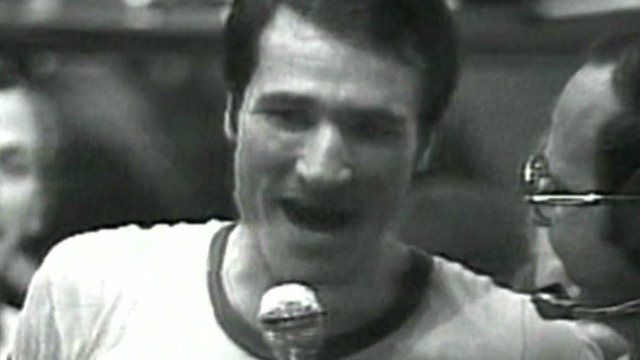 American-Israeli basketball star Tal Brody speaks with a reporter following Maccabi Tel Aviv's win over CSKA Moscow in February 1977. Photo: Screenshot.