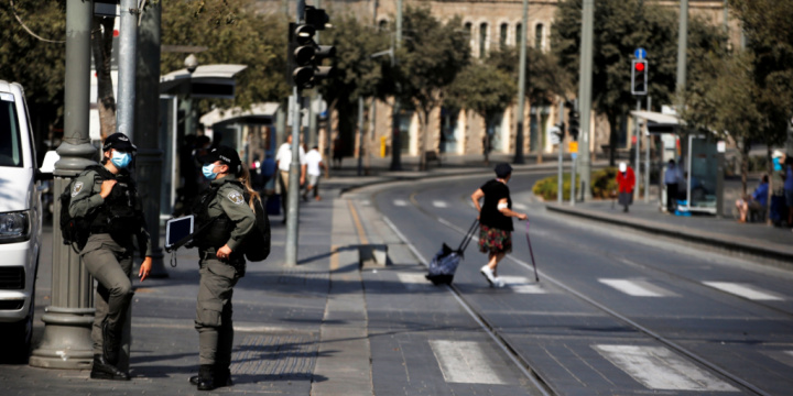 Israel Tightens Second-Wave Lockdown as Netanyahu, Critics Argue Over Protest Curbs